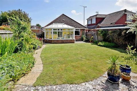 3 bedroom bungalow for sale - Highview Road, Brighton, East Sussex