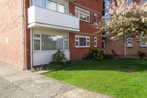 2 bedroom flat to rent - Merton Road, Southsea
