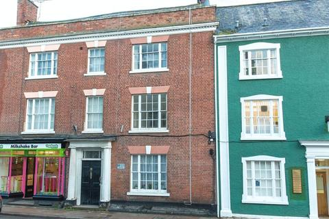 3 bedroom terraced house for sale - High Street, Crediton