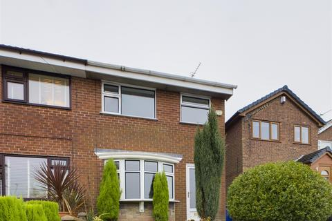 3 bedroom semi-detached house to rent - Lynn Avenue, Talke, Stoke-on-Trent, ST7 1PA