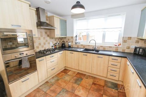 4 bedroom detached house for sale - The Grove, Paignton
