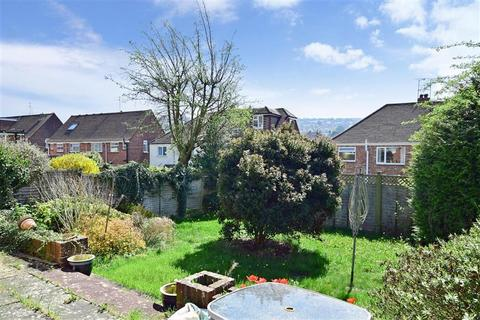 2 bedroom semi-detached bungalow for sale - Stoneleigh Avenue, Brighton, East Sussex