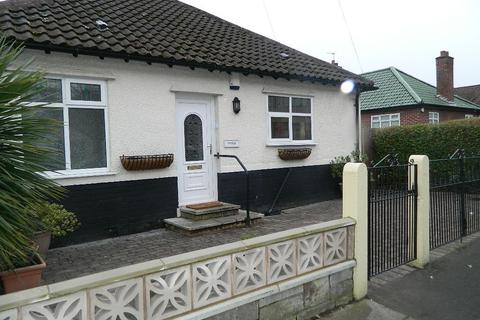 2 bedroom bungalow for sale -  Darley Drive,  Liverpool, L12