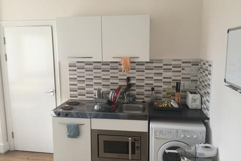 1 bedroom flat to rent - Kings Road, Brighton BN1