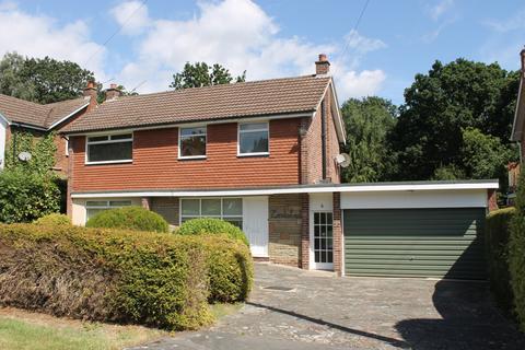 3 bedroom detached house to rent - Howards Thicket, Gerrards Cross, Bucks