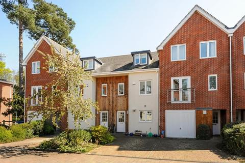 3 bedroom house to rent - Brook Avenue, Ascot, SL5