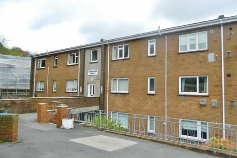 2 bedroom flat for sale - Richmond Court, Richmond Road, Uplands