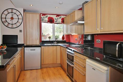 5 bedroom end of terrace house for sale - Sunray Avenue, Bromley