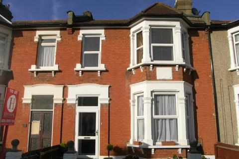 3 bedroom terraced house to rent - Glencoe Avenue, Ilford, IG2