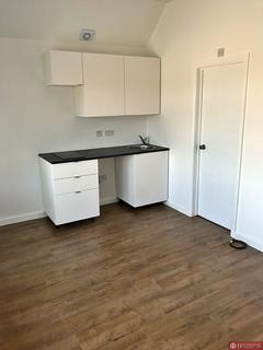 Studio to rent - Cameron Road, Seven Kings, IG3
