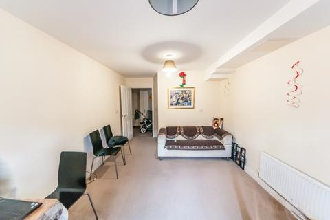 1 bedroom flat to rent - Bramley Crescent, Gants Hill, IG2