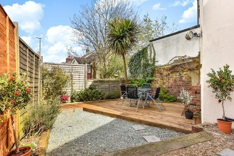 1 bedroom flat for sale - Highcroft Villas, Brighton, East Sussex, BN1