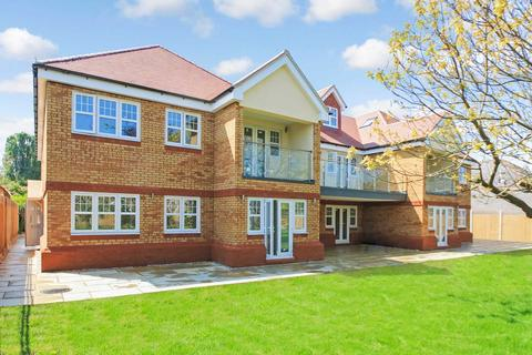 3 bedroom apartment for sale - Bridgeway Mansion, London Road, Aston Clinton