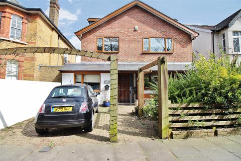 5 bedroom detached house for sale - Pinewood Road, Abbey Wood