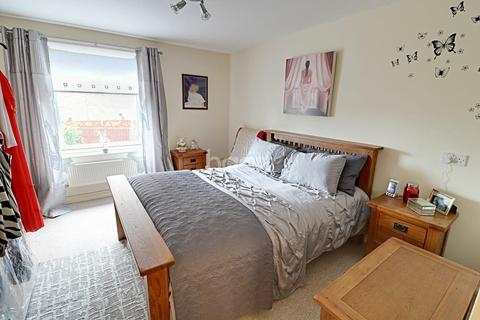 1 bedroom flat for sale - Orlebar Gardens