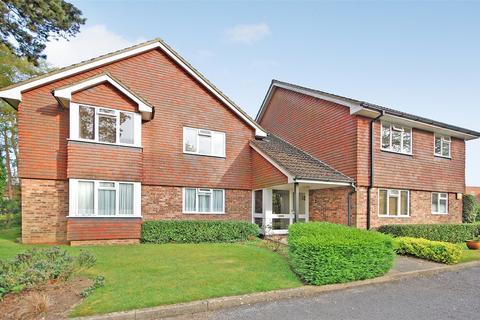 2 bedroom flat to rent - Farnham, Surrey