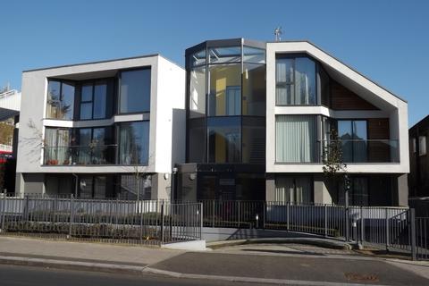 2 bedroom ground floor flat to rent - EDGWAREBURY LANE