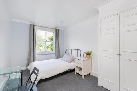 2 bedroom flat to rent - Fulham Palace Road, Fulham, London, SW6 6SU