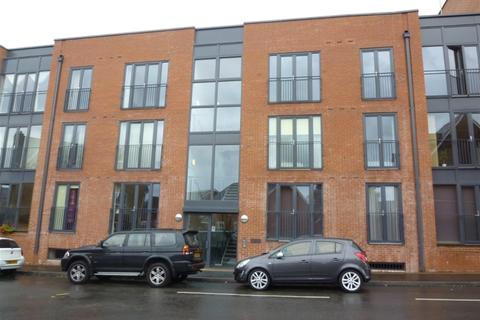 2 bedroom apartment to rent - Cornwood House, Dickens Heath, B90 1TH