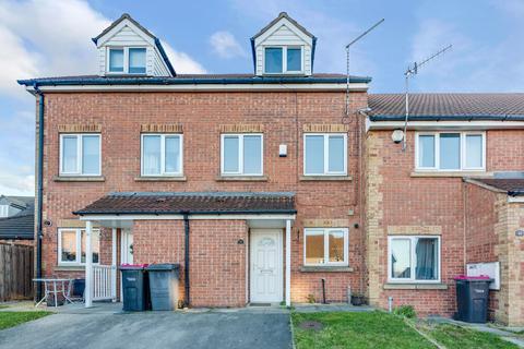 3 bedroom townhouse for sale - Henry Court, Parkgate, Rotherham S62 6FJ