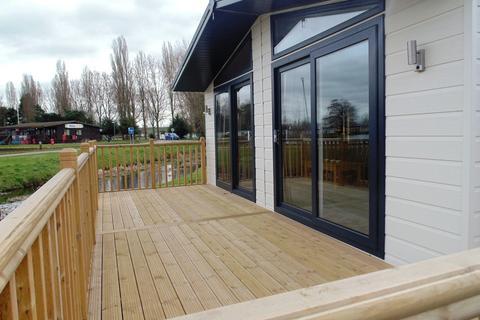 2 bedroom mobile home for sale - Billing Aquadrome, Crow Lane