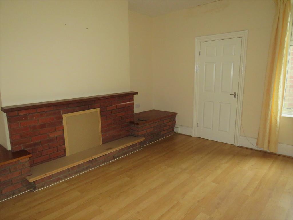 Corporation Road Hendon Sunderland Sr2 3 Bed Flat To 450 Tony Atkinson Laminate Flooring Services