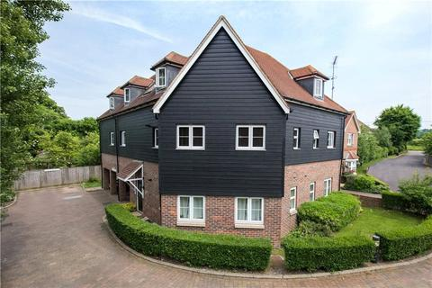 2 bedroom apartment to rent - Windsor House, Chairmakers Close, Princes Risborough, Buckinghamshire, HP27