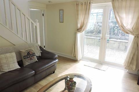 4 bedroom property for sale - High Street, Fishguard
