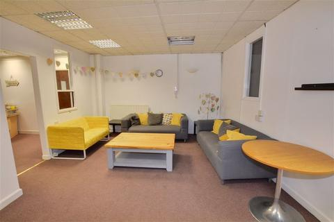 Property to rent - Curtis House, Berking Avenue, Leeds, LS9