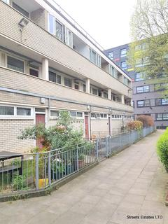 3 bedroom flat to rent - Kingfisher House, Pelican Estate, London SE15