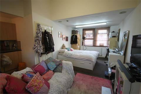 1 bedroom flat to rent - Brudenell Road, Hyde Park, LEEDS