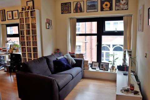 Studio to rent - Britannia House, 16 York Place, Leeds, LS1 2EU