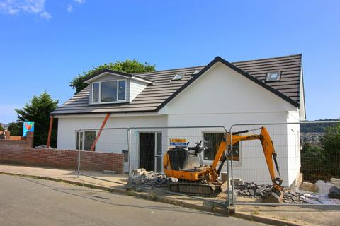 4 bedroom detached bungalow for sale - Meadow Way, Plymouth