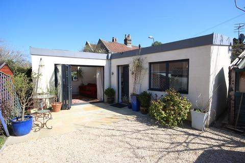 1 bedroom detached bungalow for sale - Williamstowe, Combe Down, Bath