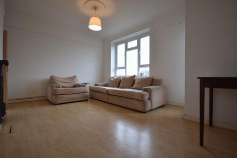 3 bedroom flat to rent - Benthal Road, London
