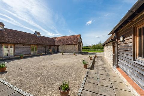 5 bedroom detached house to rent - The Stables & Barn, Chippinghurst OX44 9JW