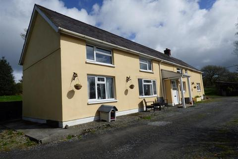 5 bedroom property with land for sale - Capel Isaac, Llandeilo