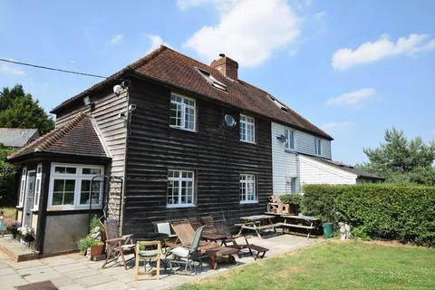 4 bedroom cottage for sale - WELL HILL, CHELSFIELD