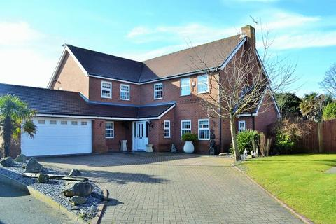 5 bedroom detached house for sale - Dowhills Drive, Blundellsands