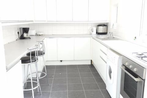 4 bedroom house to rent - Grafton Street - Newland Avenue