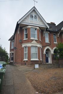 Studio to rent - Hill Lane, Southampton, SO15