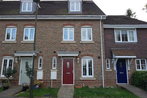 3 bedroom townhouse to rent - Wellswood Close, Haywards Heath RH16