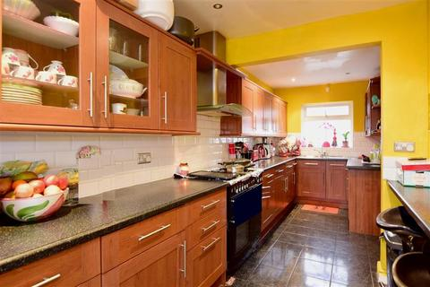 3 bedroom terraced house for sale - Manor Crescent, Brighton, East Sussex