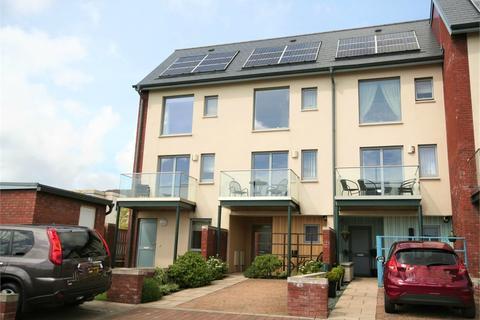 4 bedroom end of terrace house to rent - Langdon Road, Swansea