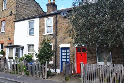 2 bedroom cottage for sale - Holly Road, Twickenham, TW1