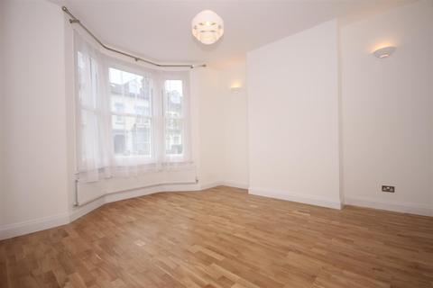 3 bedroom house to rent - Charlton Road, London