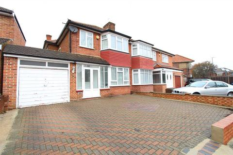 3 bedroom semi-detached house to rent - Crowshott Avenue, Stanmore