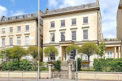 2 bedroom apartment to rent - Alexandra House, Kings Road, Reading, RG1