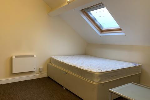 1 bedroom house share to rent - Attic Room,  Gloucester Place, Swansea