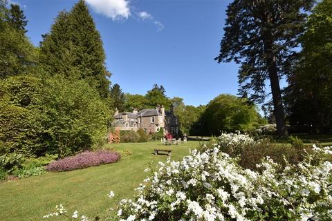 7 bedroom detached house for sale - Moulinalmond House, Almondbank, Perthshire